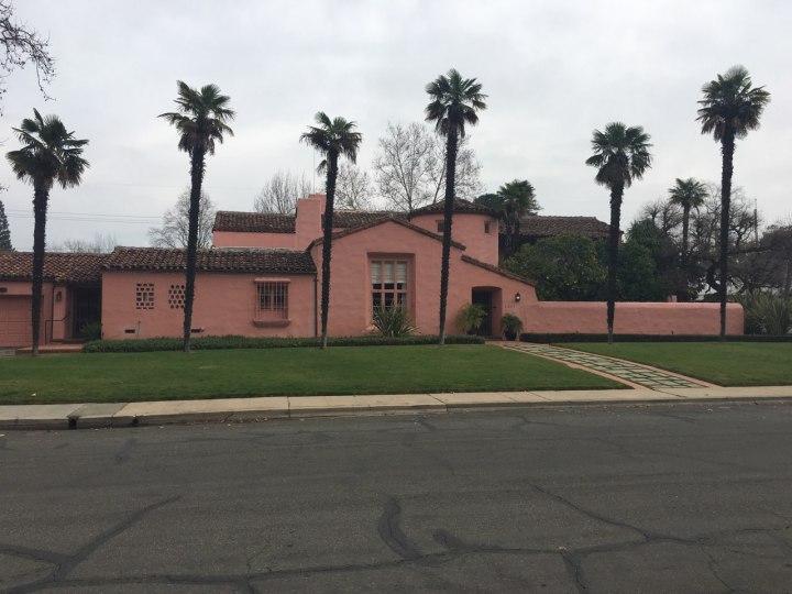 Pink_house.jpg